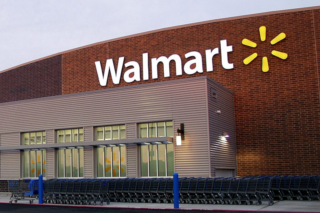 if-walmart-buys-bitcoin-it-could-trigger-the-hyperbitcoinization