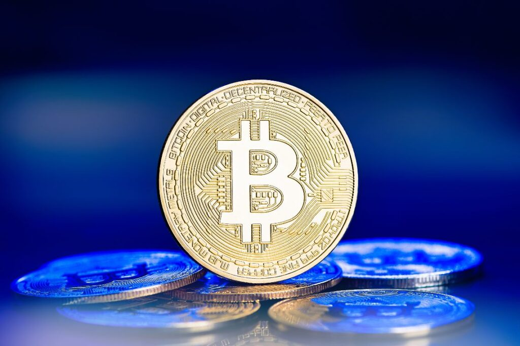 ray-dalio:-governments-will-fight-bitcoin-(and-gold)