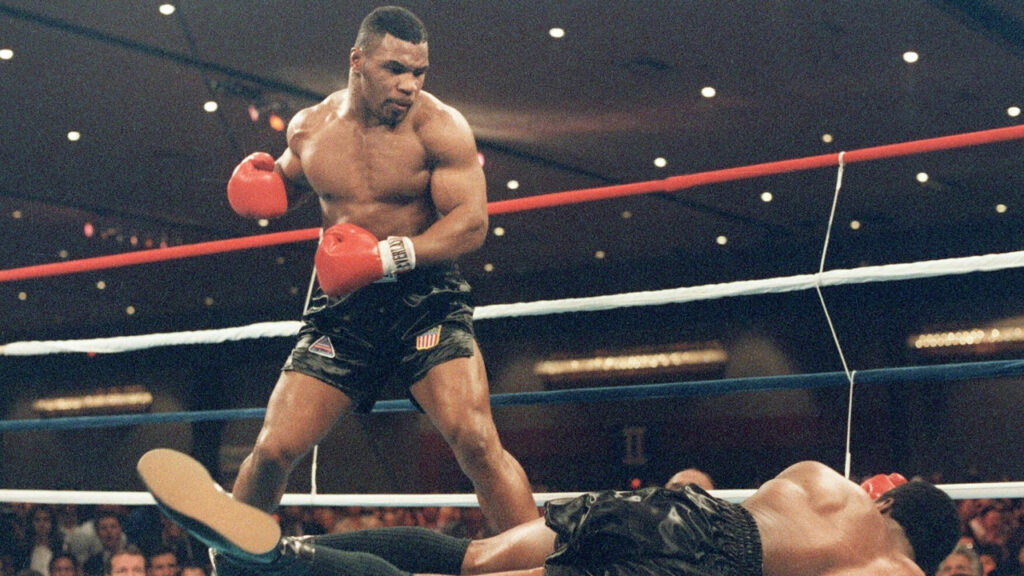 former-heavyweight-boxing-champion-mike-tyson-asks-fans-if-they-prefer-bitcoin-or-ethereum