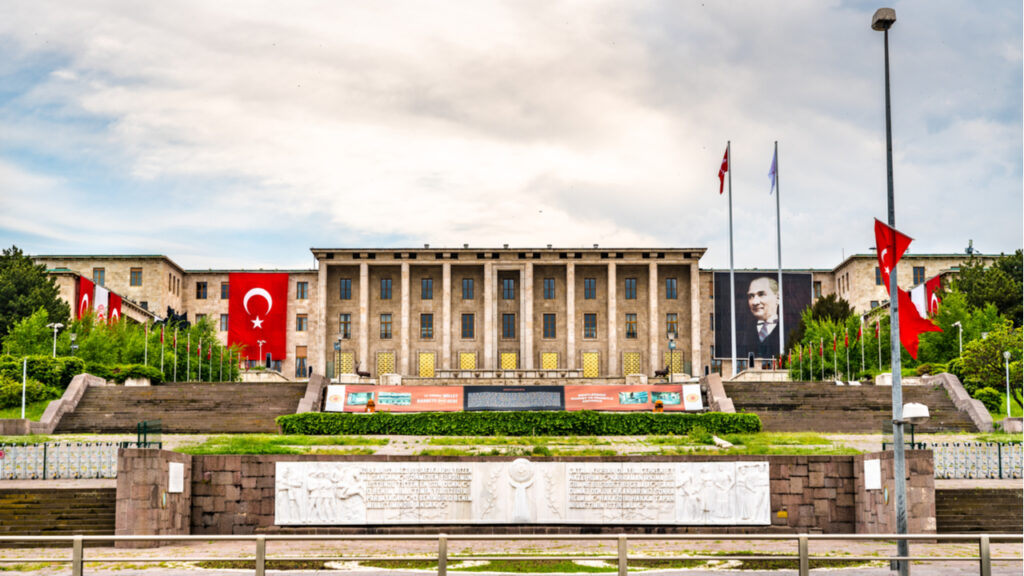 turkish-draft-law-regulating-cryptocurrencies-enters-parliament-in-october
